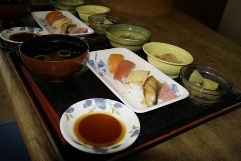 今月のイベント食はにぎり寿司バイキングです!