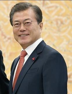 【韓国】文大統領支持率、就任後最低の58%に