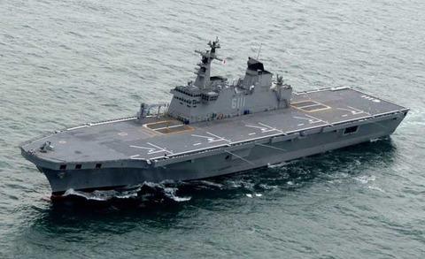 【動くの?】韓国、自衛隊旭日旗掲揚の対抗措置として日本が嫌悪する揚陸艦「独島」を参加させる模様