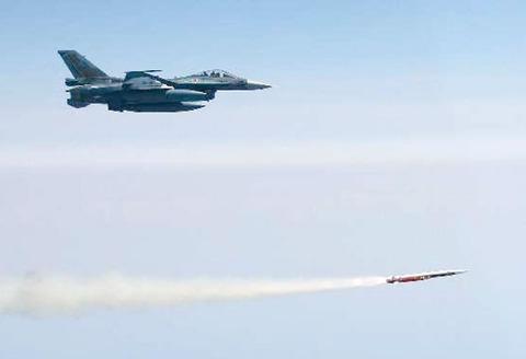 【軍事】超音速空対艦誘導弾ASM-3開発完了、航空自衛隊の部隊配備へ