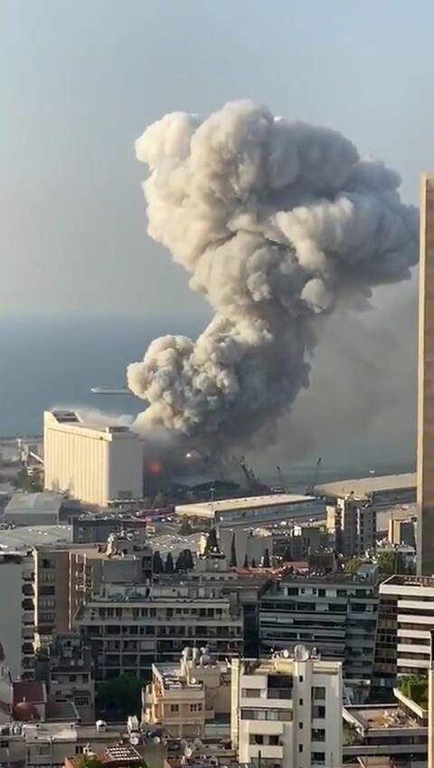 【速報】レバノンの首都・ベイルートで原因不明の大爆発 少なくとも50人が死亡、数千人以上が負傷(動画あり)