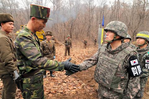 非武装地帯を突っ切り、韓国と北朝鮮が道路でつながる……さて何が起きるか
