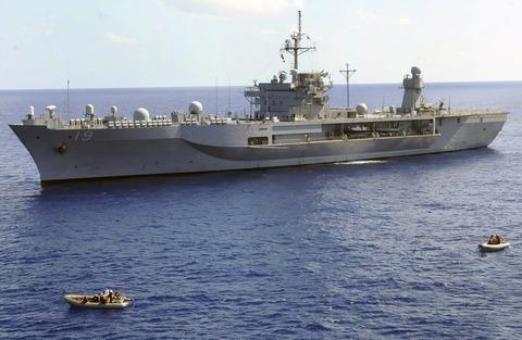 【米海軍】揚陸指揮艦「ブルー・リッジ」が韓国入港