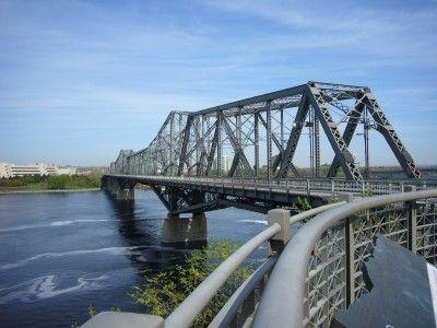 アレクサンドラ橋