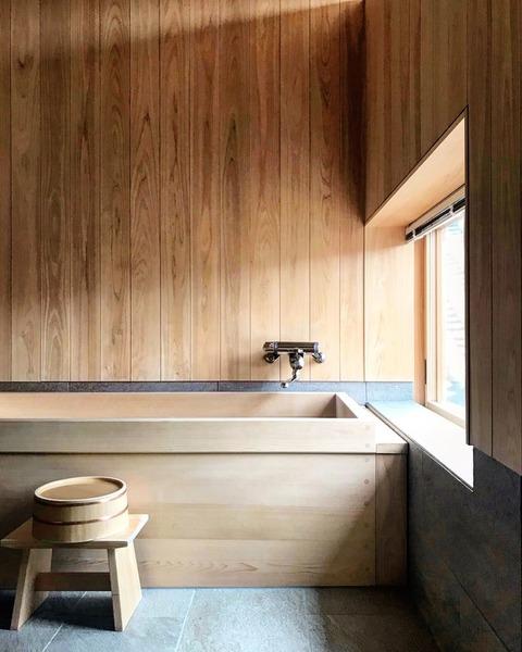 ryokan-kurashiki-cyrprus-bathtub