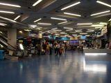 港澳碼頭香港側の待合室