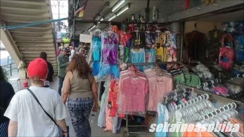 プラトゥーナムでお買い物