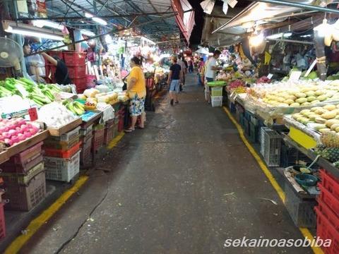 3時のクロントーイ市場