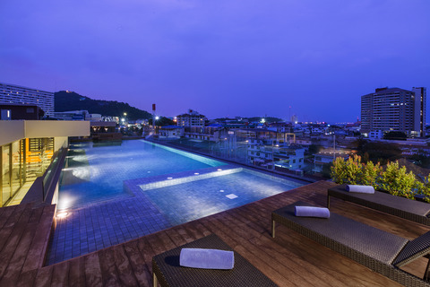 SR_Thailand_SRC_Cit_Grand Central_Swimming Pool-HR