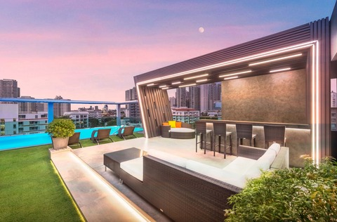 Rooftop - Lounge Area