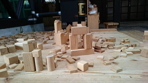 木のブロック