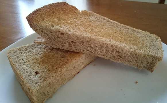 河内長野産全粒粉食パンのトースト