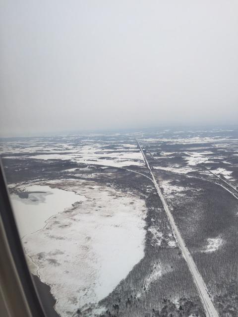(着陸直前の機上から見た雪の大地)