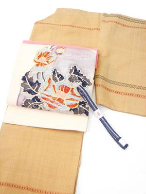 亀甲文様繋ぎ変り織草木染紬着物、ポピーの花すくい織袋帯