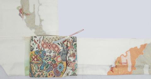 雪輪絞りに松と藤模様手刺繍訪問着、誰が袖に草花文様袋帯 白陵苑大庭製