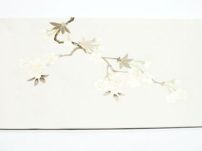 桜の花図手描名古屋帯 銀座きしや扱 前柄