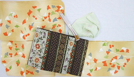銀杏の模様一方附小紋・段変り花唐草文袋帯