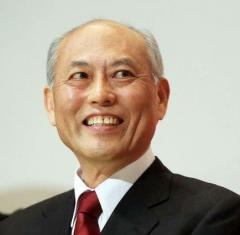 舛添氏、女性議員白スーツ抗議「失笑を禁じえない」
