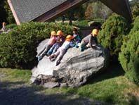 岩のすべり台