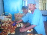 プランのパン商人修行女の子