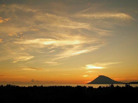menado_sunset