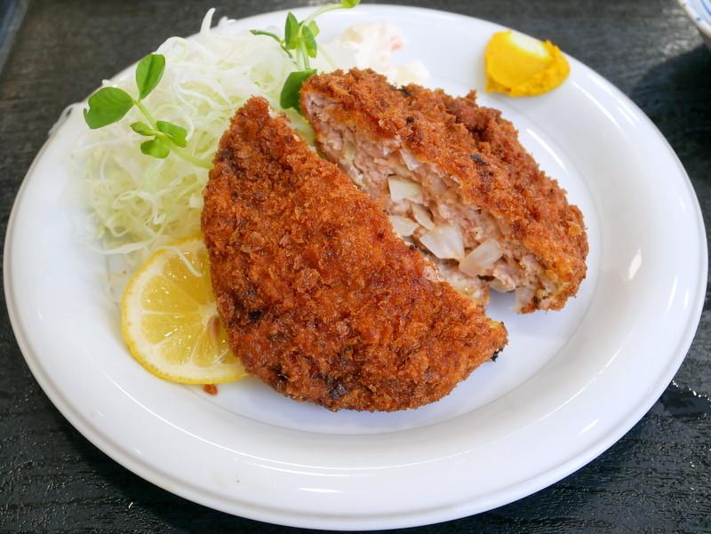 栃木市・さいとう食堂。メンチカツ定食