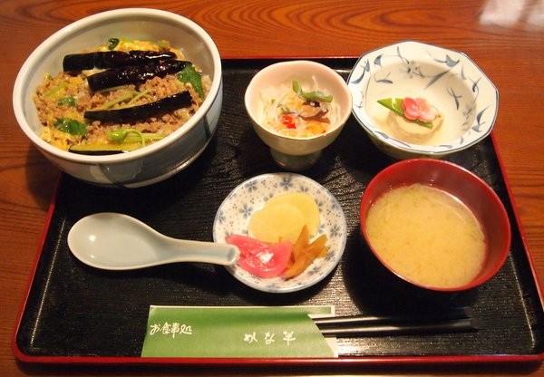 栃木市・かな半 特製かな半丼