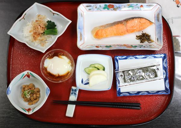 民宿石橋、正しい日本の朝ご飯