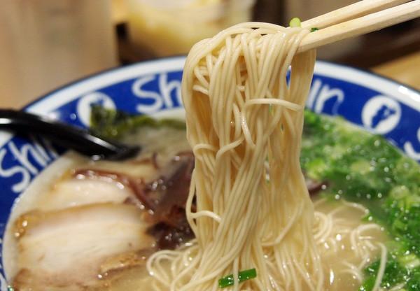 博多ラーメンShin Shin 細麺