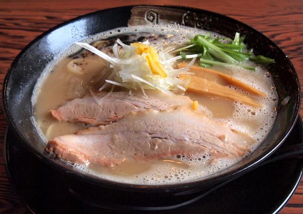 雷多の鶏豚白湯