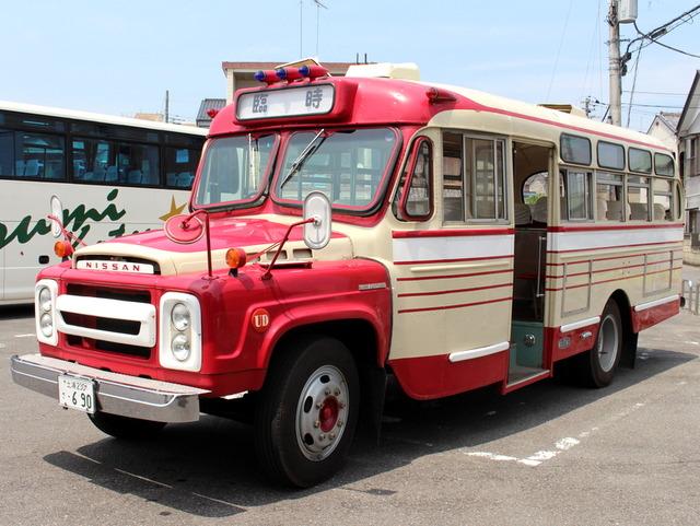ボンネットバス・日産U690。県名発祥の地 十千木縁日