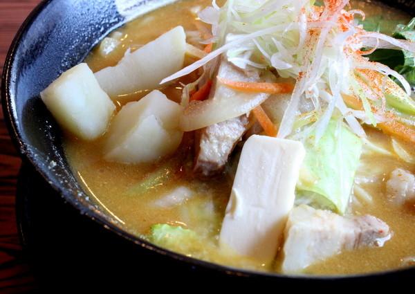 拉麺雷多。味噌バターカレーラーメン