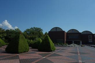平日の山梨県立美術館・博物館の様子