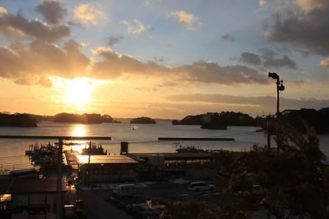 松島旅館から見えた朝日