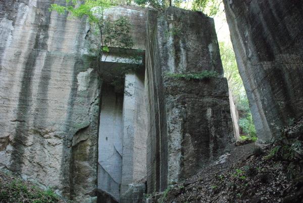 薮塚石切り場 (2)