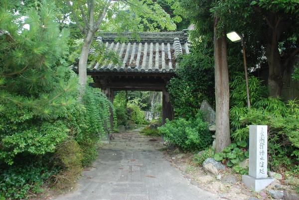 たぬき寺の軍人墓地 (4)