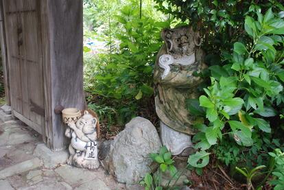 たぬき寺の軍人墓地 (6)
