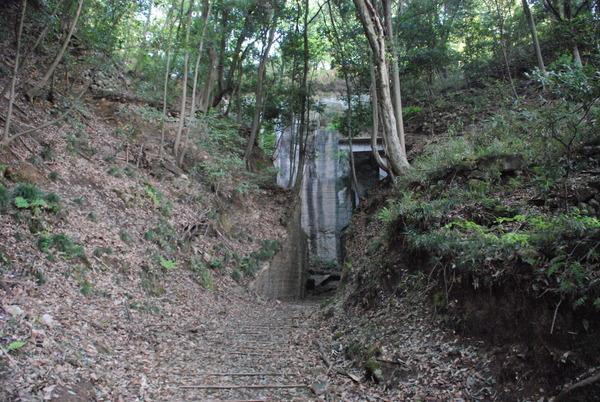 薮塚石切り場 (1)