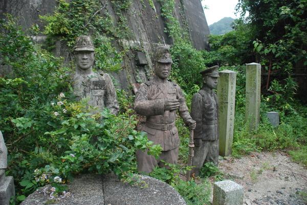 たぬき寺の軍人墓地 (17)