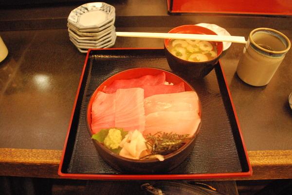 焼津お魚センターのイカスミソフト (2)