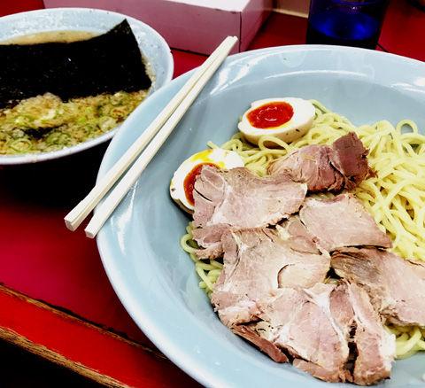日本一のラーメンショップのつけ麺もコテコテ
