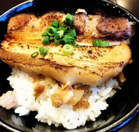極煮干し本舗さんの魚介煮干しラーメン
