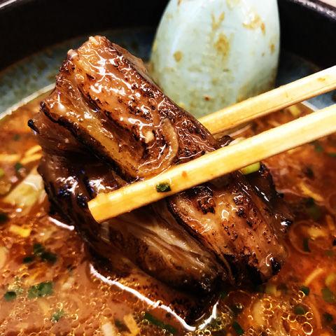 旨辛スタミナつけ麺で麺を味わう山岡家守谷店さん