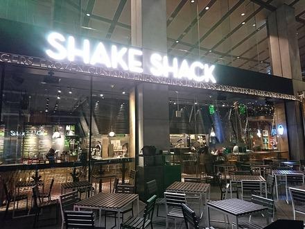 東京国際フォーラム Shake Shack 外観