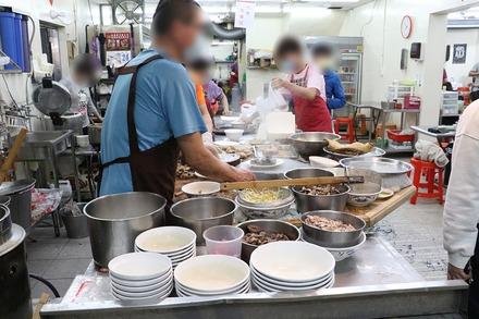 2002 台湾 高雄 鴨肉珍 店内1