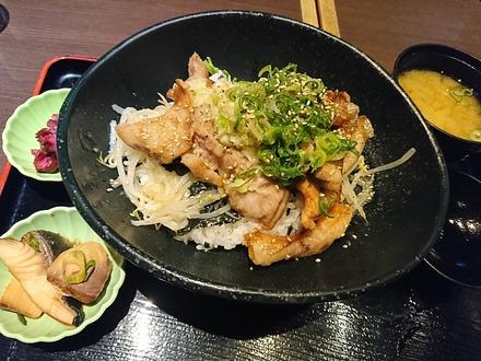 千年の宴 豚トロの葱塩スタミナ丼 02