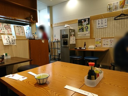豊洲市場 天ぷら天房 店内