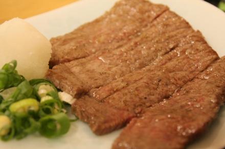 110910神戸 義市商店  神戸牛ミニステーキ