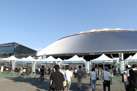 200811 vs楽天 入場テント