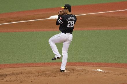 181021 vsSB 高橋礼01